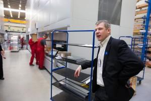 ABB Baltikumi tarneahelajuht Peep Tominga sõnul aitasid tornlaod vähese ruumi kuluga juurde saada uut ladustamispinda.